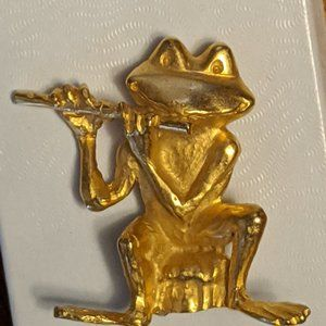 Frog playing Flute Pin Signed JJ